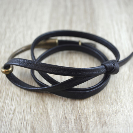 Triple Wrap + Gold Hook // Black
