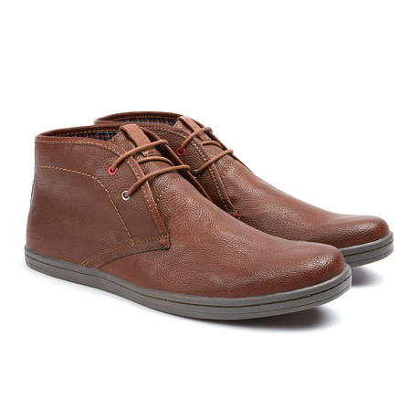 Victor Lace Up Chukka // Cognac