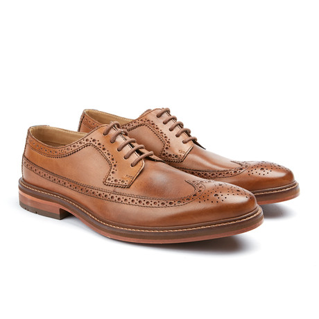 Max Wingtip Oxford // Tan