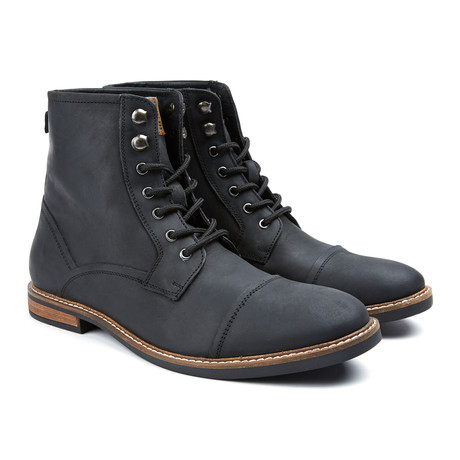 Leon Captoe Boot // Black