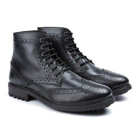 Durham Wingtip Boot // Black