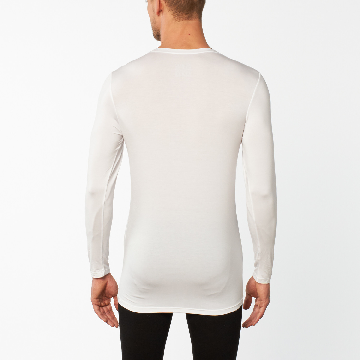 Hanes Men's Long Sleeve T-Shirts Our soft cotton and cotton blend men's long sleeve t-shirts are synonymous with comfort, style, and fit. Loaded with features including double stitching at the hem and sleeves, moisture-wicking fabrics, and our famous comfort tag-free label, our long sleeve t shirts are perfect for casual Fridays and weekend wear.