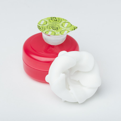 Kuudom Groomin // Hibiscus Red
