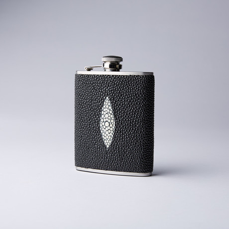 Flask // Black Stingray