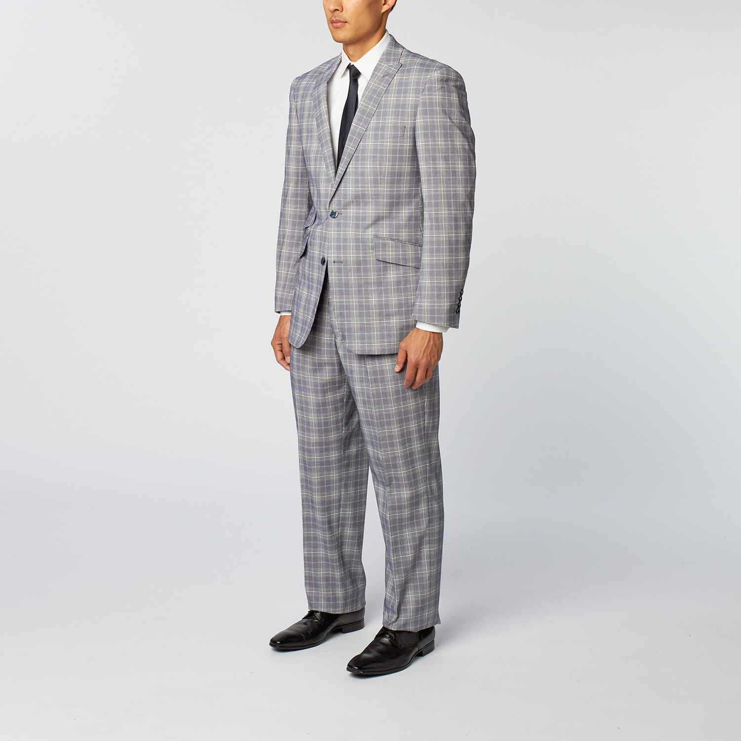 440v.cf offers mens dress suits including two button style suit, four button suits, double breasted suits, wool suits, jackets, pants, tuxedo suits, mens shoes, dress shirts, blazer for united states, canada from germany and italy.