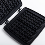 Waffle Maker With 3 Plates + Waffle Fork