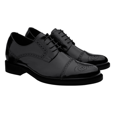 Fulham Polished medallion Derby // Black (US: 7)