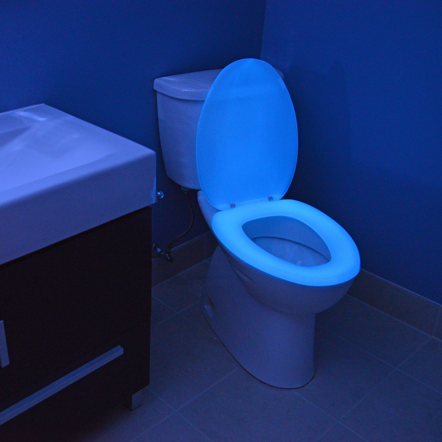 Stupendous Night Glow Seats Elongated Toilet Seat Blue Night Spiritservingveterans Wood Chair Design Ideas Spiritservingveteransorg