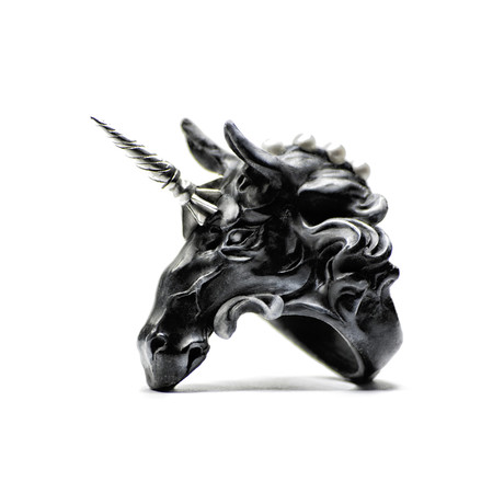 Black Licorne Ring (Size: 5)