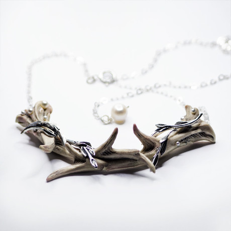 Corneous Necklace