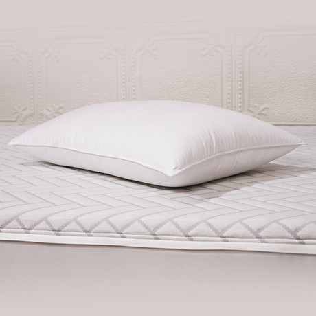 White Duck Down Pillow (Standard)