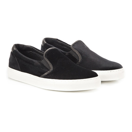 Tosca Slip-On Sneaker // Black