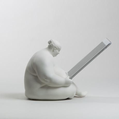 Venus of Cupertino // iPad Docking Station