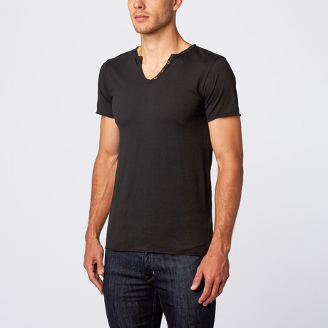 Amerigo Knotch Neck Tee // Black