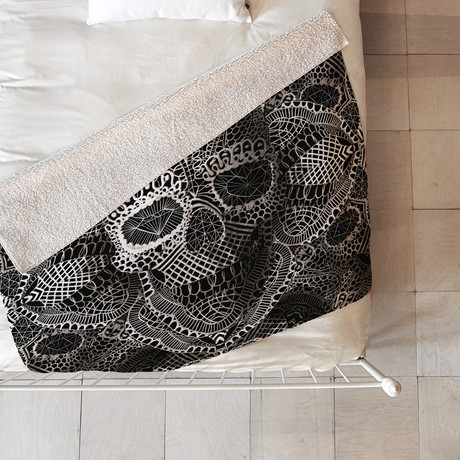 Lace Skull Fleece Throw Blanket