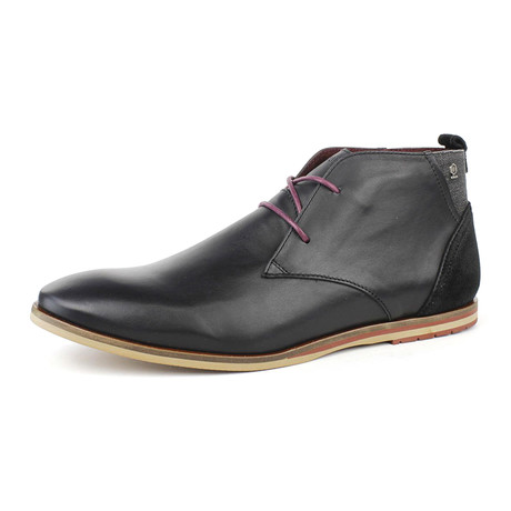 Dreaming Chukka // Black (US: 7)