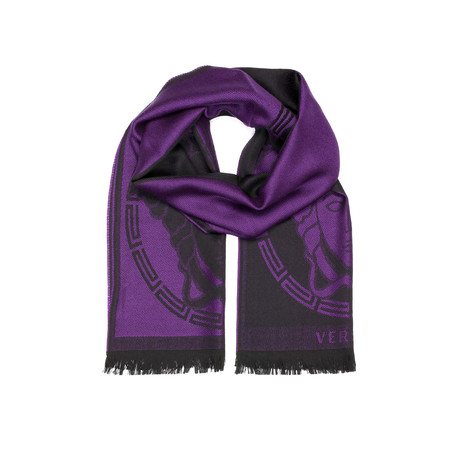 how to wear a versace scarf