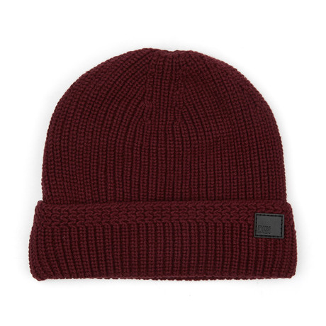 Faux Fur Lined Cable Knit Beanie // Burgundy
