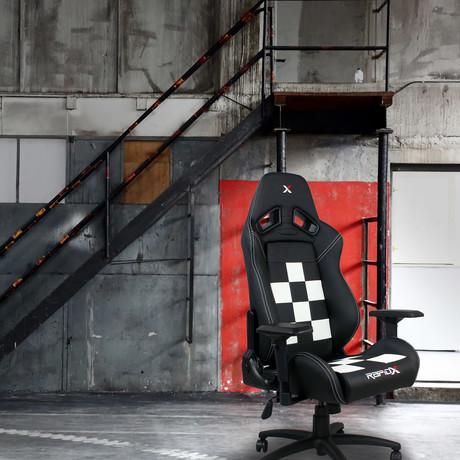 Gaming Chair // Black + White