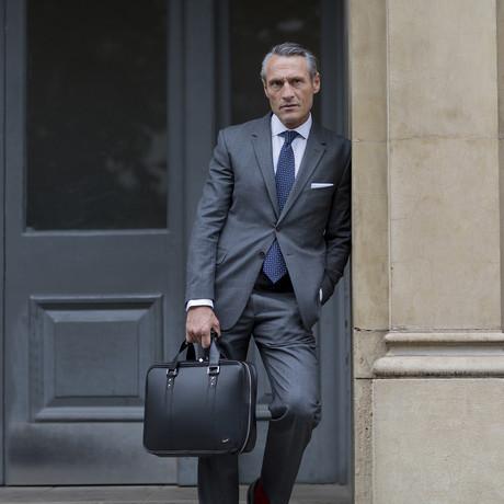 F25 Briefcase (Black)