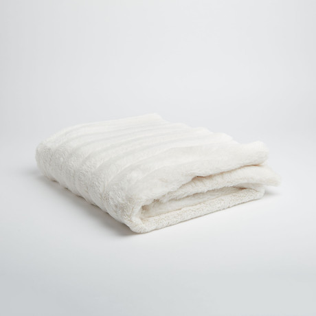 "Chinchilla Stripe Cuddle Fur Throw // Pearl (50""L x 65""W)"