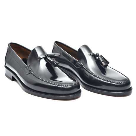 Leather Sole Tassel Loafer // Black!