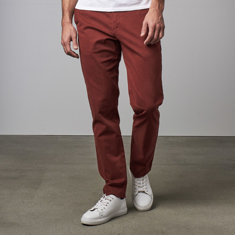 Flat Front Bowie Chino Pant // Burgundy
