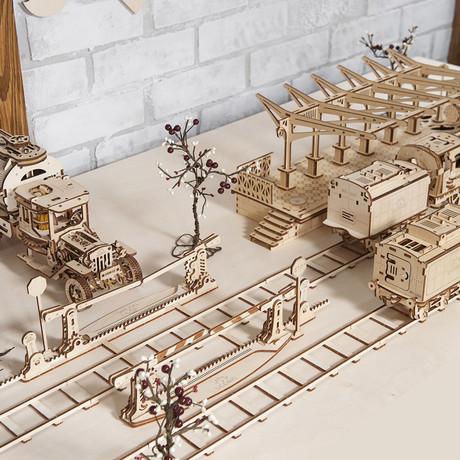 Locomotive + Railway Crossing