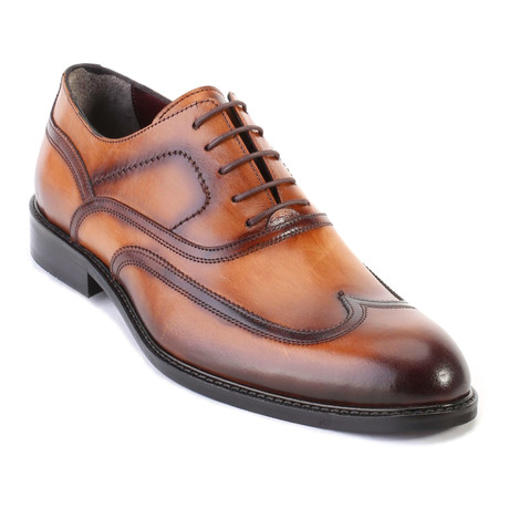 Burnished Wingtip Oxford // Tobacco