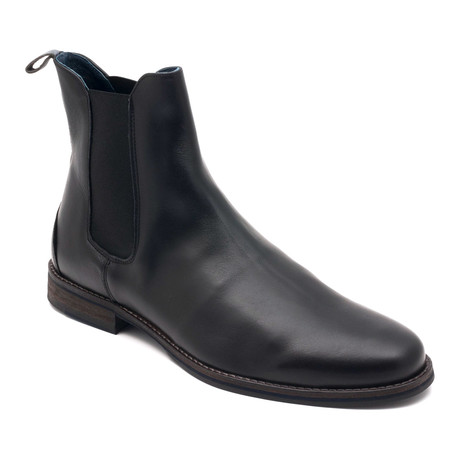 Chelsea Boot // Black (US: 7)