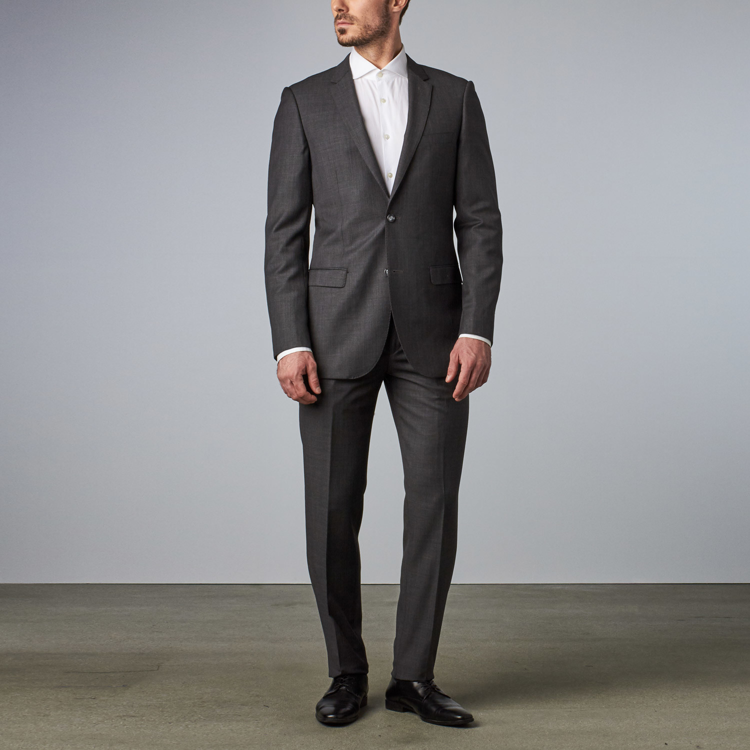 Bella Vita // Slim-Fit Suit // Charcoal Sharkskin (US: 36S