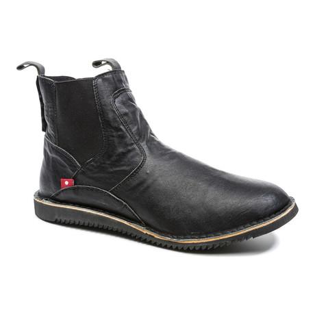 Mudiko Pull-Up Boot // Black