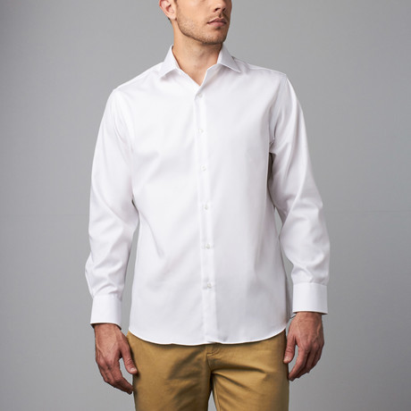 Long-Sleeve Modern Fit Dress Shirt // White