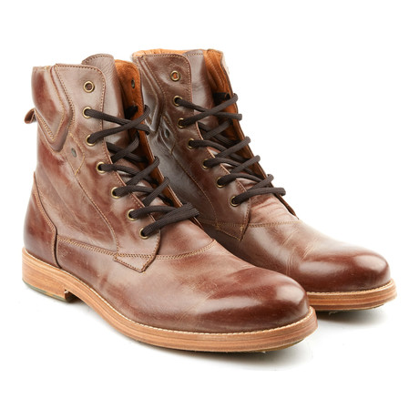 Distressed Combat Boot // Tobacco