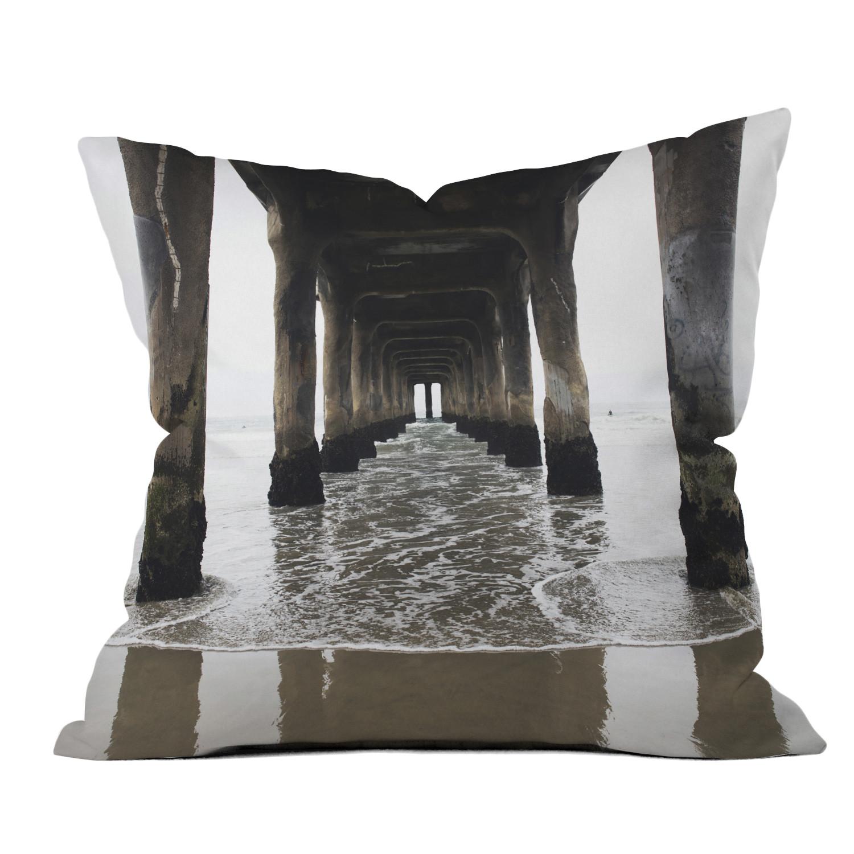 Manhattan Pier // Throw Pillow (18