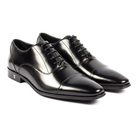 Versace // Captoe Oxford // Black