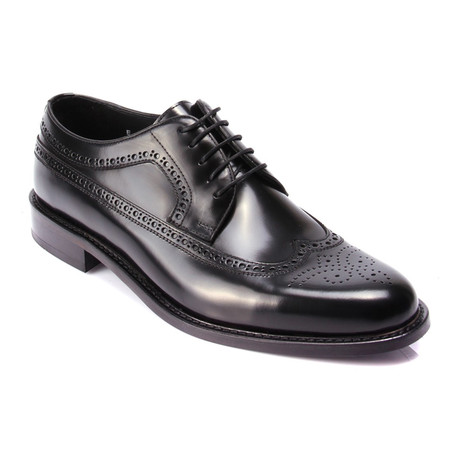 Medallion Wing-Tip Derby // Black