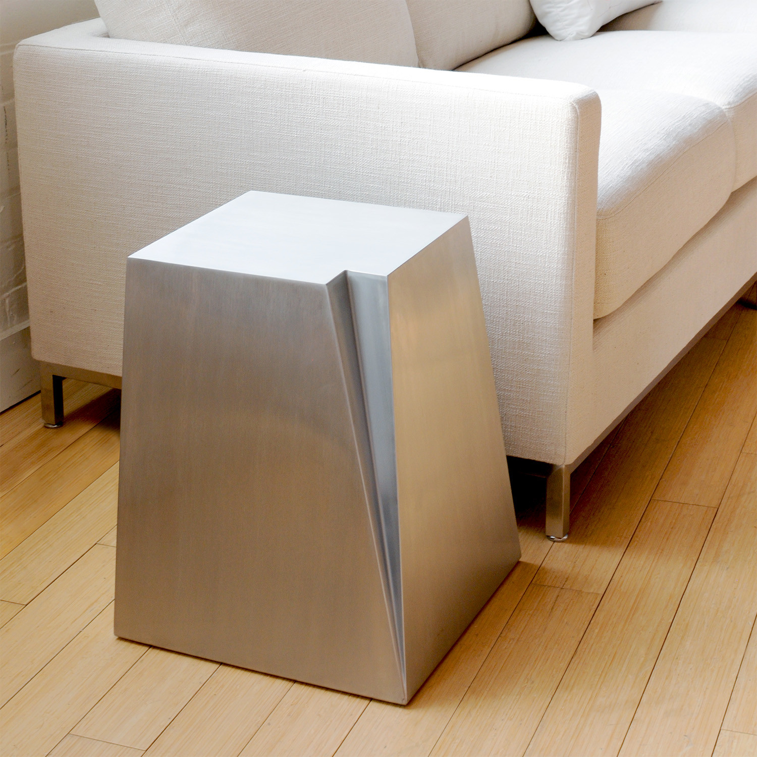 Glacier end table gus modern touch of modern for What is touchofmodern