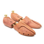 Dapperman // Split Toe Cedar Shoe Tree (Extra Large)