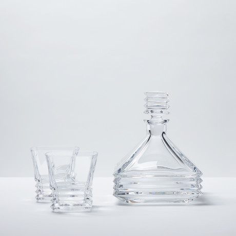 Akordio Crystal Whiskey Decanter + Glasses