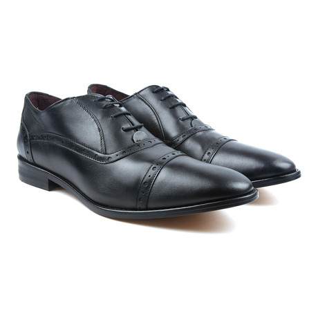 Plain Toe Oxfords // Black (US: 6)