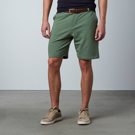 Chino Short // Moss Green (30WX34L)