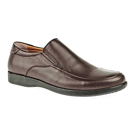 Classic Slip-On Shoe // Brown