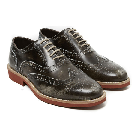 Medallion Wing-Tip Oxford // Dark Brown