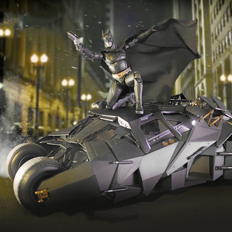 The Dark Knight Trilogy 1:12 RC Tumbler // Deluxe Pack