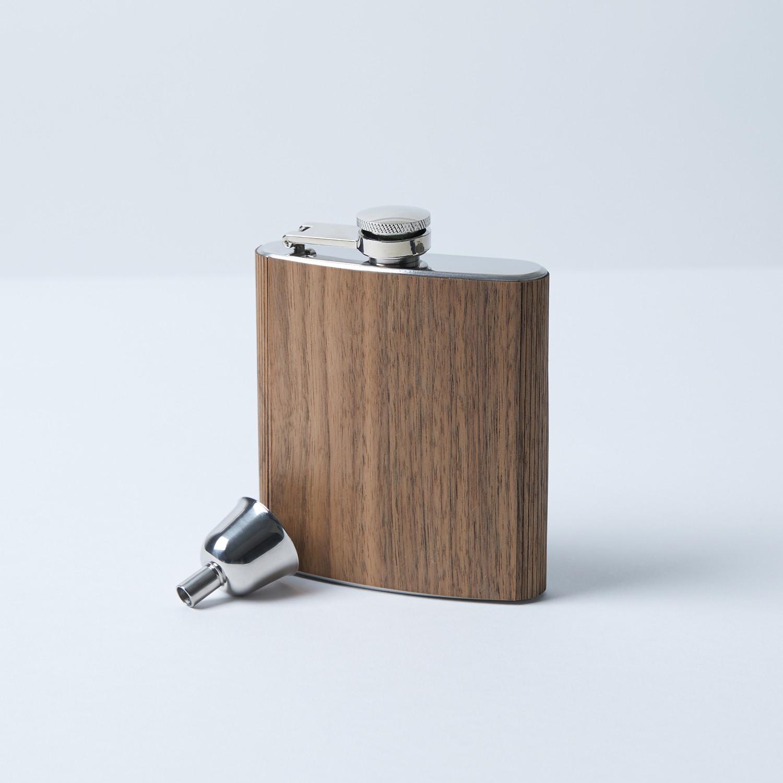 Wood flask 6 ounce cedar woodchuck usa touch of for Woodchuck usa