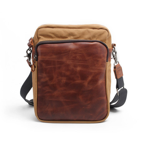No. 722 Canvas Messenger (Red Brown)