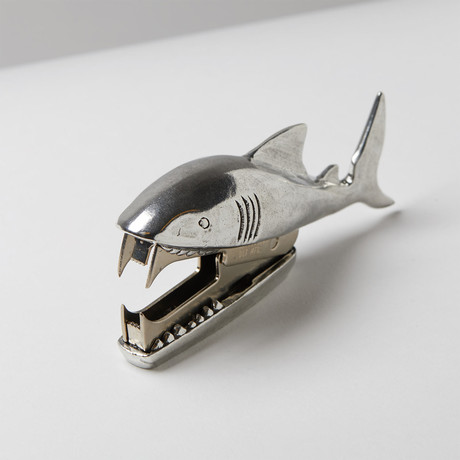 Shark Bite Staple Remover