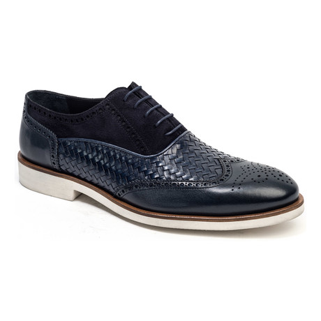 Woven Wing-Tip Oxford // Navy