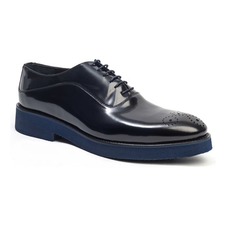 Casual Medallion Oxford // Navy